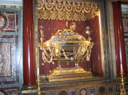 reliquary-holding-relic-of-the-manger-ii.jpg