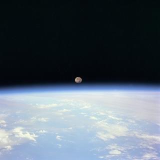earth_atmosphere_moon