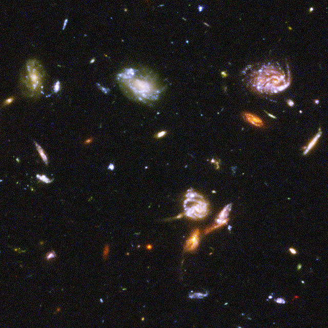 640px-Hubble_Ultra_Deep_Field_part_d