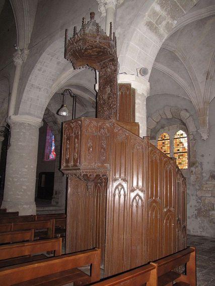 Chaire_église_Saint-Étienne,_Château-Renard_-1
